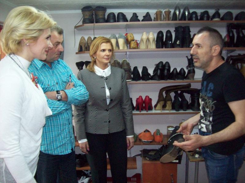 Andreea Paul, �n atelierul lui Stefy pantofarul | Arad 24 - ?tiri ...