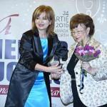 Eli Lăslean i-a înmânat premiul primei femei președinte de bancă din România