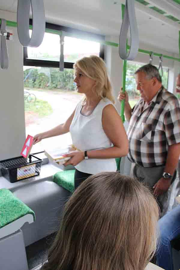 Consiliul Județean transformă tramvaiele și autobuzele în săli de lectură