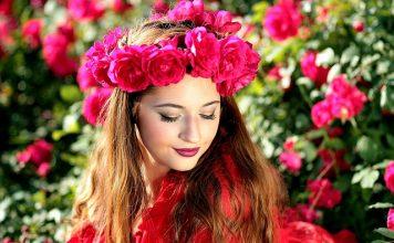 Frumusete trandafiri femeie fata tinerete beauty